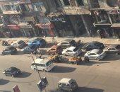 قارئة تشكو ترك السيارات صف ثالث بشارع فيصل وانتشار البائعة الجائلين