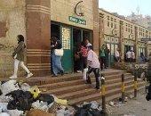 قارئ يشكو انتشار القمامة والأوبئة أمام محطة مترو عزبة النخل