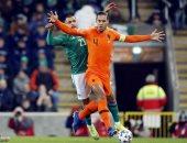فيديو.. الحظ يمنع أيرلندا الشمالية من التقدم على هولندا في الشوط الأول