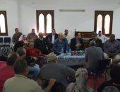 نائب محافظ القاهرة يجتمع بأصحاب ورش عين الحياة لبحث صرف تعويضات لهم