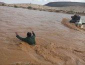 صور.. إنقاذ 4 سعوديين جرفتهم المياه فى الأردن