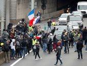 """وزير الداخلية الفرنسى يلقى اللوم فى الاحتجاجات على """"بلطجية"""""""