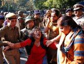 إصابة 16 شخصا جراء حادث تصادم فى الهند