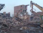 هدم وإخلاء 21 عقار ومصنع بمنطقة المدابغ وتسكين 24 أسرة بمدينة بدر
