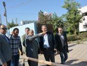 وزير التنمية المحلية يجرى بجولة مفاجئة بالقناطر بعد شكاوى تراكم القمامة