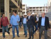 صور ... محافظ المنيا يتفقد الأعمال الإنشائية لتطوير مدينة العمال بتكلفة 77 مليون جنيه