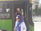صور.. توفير أتوبيس نقل عام لحل أزمة زحام التوك توك شرق الإسكندرية