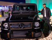 صور.. محمد رمضان يشترى سيارة نادرة فى معرض موسم الرياض بالسعودية