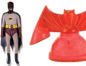 صور.. طرح الأزياء الأصلية لشخصيتى باتمان وروبين للبيع فى مزاد لوس أنجلوس