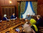 الإمام الأكبر يلتقى برلمان طلاب الوافدين.. ويؤكد: رسالة الأزهر أمانة بأعناقكم