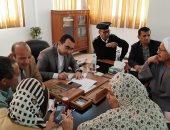 صور.. نائب محافظ الإسماعيلية يستمع لشكاوى أهالى أبوصوير