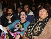 وزيرة الثقافة تكرم مخرجة المسرح العالمية مولى سميث فى ندوة بأكاديمية الفنون
