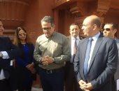 وفد برلمانى يطالب وزير الآثار بإنهاء ترميم سور قصر البارون قبل افتتاحه.. فيديو