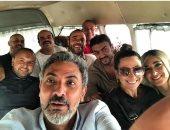 """نجوم فيلم """" لص بغداد """" في ميكروباص بقيادة فتحي عبد الوهاب"""