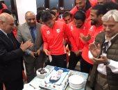 صور.. إنبي يحتفل بأسامة جلال بعد التتويج مع المنتخب الأولمبي