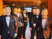 """لاعبو الاسكواش يحتفلون بزفاف زميلهم بماسكات """"لاكاسا دى بابل"""""""