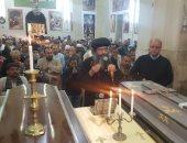 الكنيسة تصلى الجنازة على ضحايا سقوط حائط دير أبى فانا الأثرى