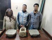 حبس 3 أشخاص والتحفظ على المسكن عقب توصلهم لمبانى أثرية أثناء التنقيب.. صور