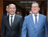 وزير الطيران المدنى يلتقى سفير جمهورية كازاخستان بالقاهرة