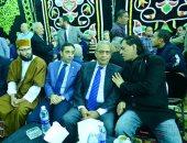عمرو موسى يقدم العزاء لـ أسرة شعبان عبد الرحيم فى فيصل.. صور