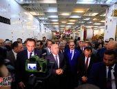وزير النقل يستقبل جرارات السكة الحديد الجديدة الأمريكية بميناء الإسكندرية