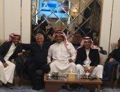 طلاب مدرسة بالسعودية يستقدمون مدرسًا مصريًا بعد 30 عامًا.. اعرف التفاصيل