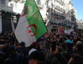 الجزائر يواصل جمعته الـ42 الرافضة لانتخابات الرئاسة قبل مناظرة المرشحين الـ5