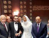 صور.. وزير التنمية المحلية يشارك فى حفل زفاف نائبة محافظ الوادي الجديد