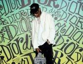 ترافيس سكوت يظهر بحذاء Dior x Jordan لأول مرة قبل إصداره رسميًا