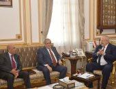 صور.. رئيس جامعة القاهرة يكرم مفيد شهاب وجابر عصفور لحصولهما على جائزة النيل