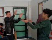 شاهد طلاب يرقصون لمنع المعلمة من الشرح بكفر الشيخ.. وهذا ما فعلته وكيلة الوزارة