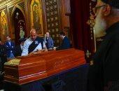 """إلهام شاهين عن سمير سيف بعد رحيله: """"أفضالك كثيرة وأول من وثق فيا"""""""