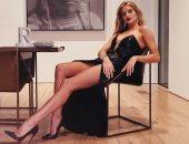 روزى هنتنجتون وايتلى تقدم سلسلة حلقات عن صناعة الجمال.. اعرف التفاصيل