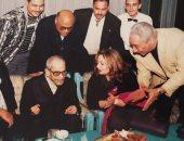 """""""أعمالك خالدة"""".. ليلى علوى تحيى ذكرى ميلاد الأديب الراحل نجيب محفوظ بصور نادرة"""