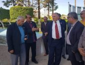 وزير الرى يزور السد العالى ويتفقد منطقة رمز الصداقة.. صور