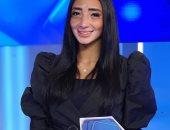 مصرية مصابة بمرض البهاق مراسلة لقناة أبو ظبى