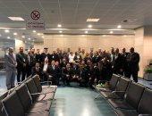 الوفد الأمنى الأمريكى يتفقد مطار القاهرة ويلتقط الصور التذكارية مع العاملين