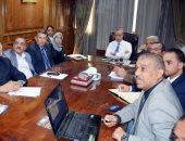 محافظ القليوبية يعقد اجتماعا لمتابعة تطوير منطقة مسطرد بشبرا الخيمة