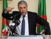المرشح الرئاسى الجزائرى على بن فليس يدلى بصوته فى الانتخابات الرئاسية