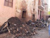 صور.. مصرع 4 وإصابة 2 من أسرة واحدة وإنقاذ طفل قفز من شرفة المنزل بحريق أرمنت