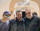 """""""ابن الساحر"""" يؤدى أول صلاة فى مسجد الراحل هيثم أحمد زكى"""