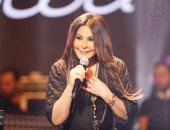 """إليسا رافضة منح الثقة لحكومة لبنان الجديدة: """"ناضل كرمال لبنان.. لا ثقة"""""""