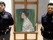 عامل يعثر على لوحة فنية لـ جوستاف كليمت مخبأة داخل حائط سعرها 60 مليون يورو