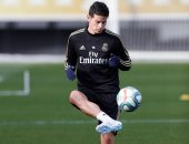 والد جيمس رودريجيز: ريال مدريد رفض انتقال اللاعب إلى أتلتيكو