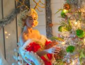 """كاتى بيري تتحول لـ """"سانتا كلوز"""" في الكريسماس.. صور"""