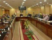 محافظ أسيوط لرؤساء المراكز: تقنين الأراضى واسترداد حق الشعب معيار تقييم للجميع