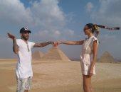 شاهد.. زيارة البرازيلى دانييل آلفيس وزوجته للأهرامات وأبو الهول