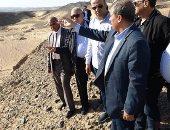 وفد برلمانى يتفقد مخرات سيول البحر الأحمر للتأكد من سلامة وقاية الطرق