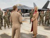 إيفانكا ترامب وسط الجنود داخل القاعدة الأمريكية بقطر.. صور