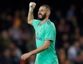 تقارير: ريال مدريد يجدد عقد بنزيما حتى 2022 والإعلان نهاية الموسم